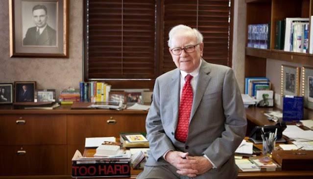 Warren Buffett Desk