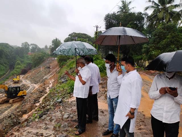 Kulashekhara landslide- ಕುಲಶೇಖರ ಗುಡ್ಡ ಕುಸಿತ ಪ್ರದೇಶಕ್ಕೆ ಲೋಬೋ ಭೇಟಿ, ಶಾಶ್ವತ ಪರಿಹಾರಕ್ಕೆ ಒತ್ತಾಯ