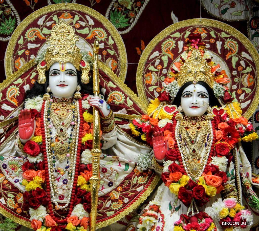 ISKCON Juhu Sringar Deity Darshan on 2nd Jan 2017 (23)
