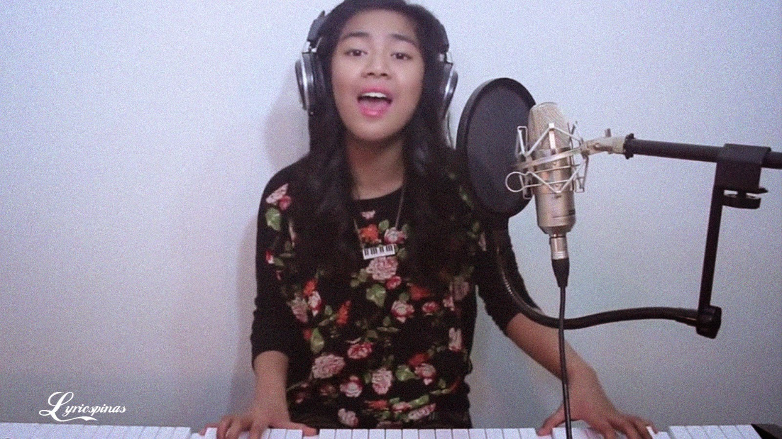 "Maria Aragon – Katy Perry  – ""Roar"" (Cover)"