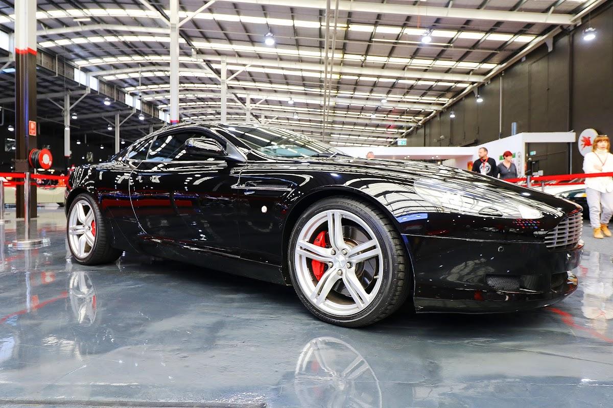 2007 Aston Martin DB9 (07).jpg