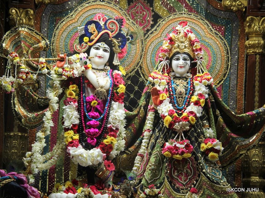 ISKCON Juhu Sringar Deity Darshan on 28th May 2016 (10)