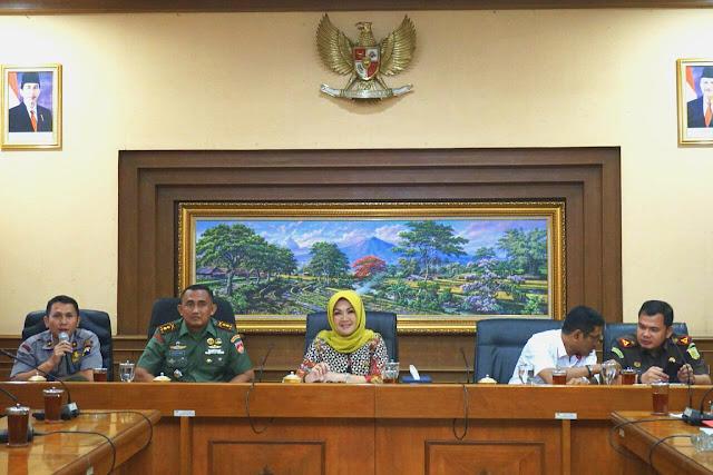Antisipasi Gerak Teroris, Polres Klaten Siaga Periksa Barang Bawaan Pengunjung