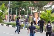 Demo Protes Tambang Mahasiswa Malah Diserang Preman