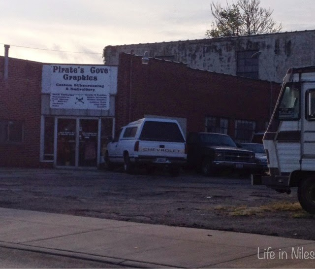 Life In Niles: Shop Local~ Stores And Services Along