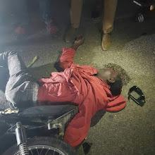 Colisión de motocicletas deja dos personas muertas en fatal accidente.