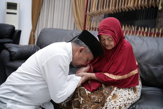 Keluarga Besar PKS Berduka Atas Berpulangnya Ibunda Ahmad Syaikhu