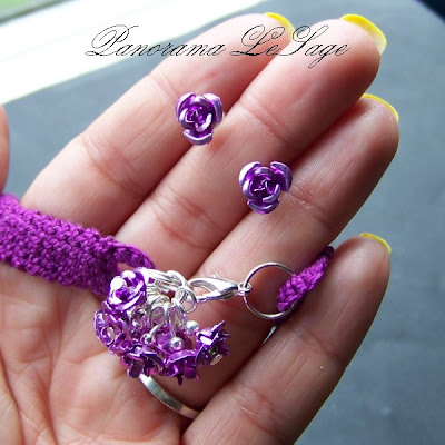 bransoleta szydełkowa zawieszka kwiatki biżuteria artystyczna komplet kolczyki Panorama LeSage