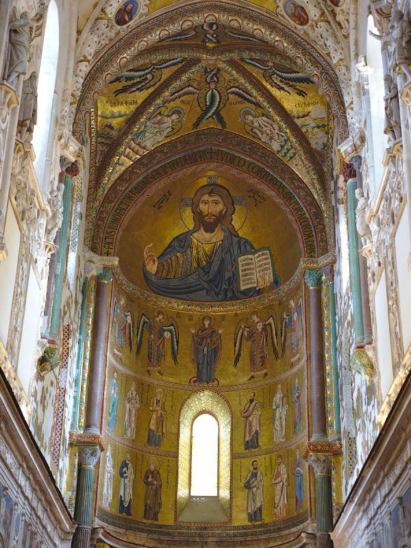 Un interior suprinzator de bizantin pentru o catedrala din Italia.