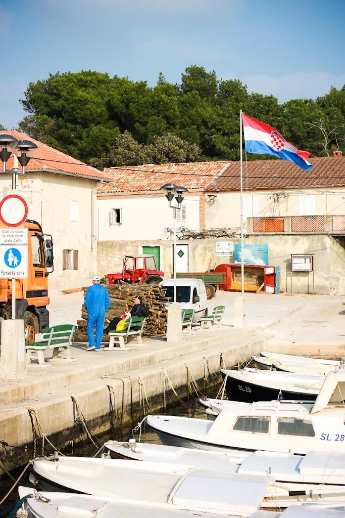 Croatia - Silba, Zadar, sky, cats, windows - Vika-7945.jpg