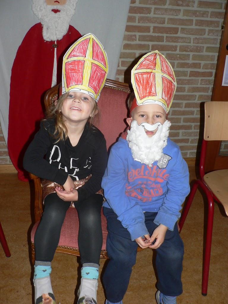 Sinterklaas op bezoek - P1270293.JPG