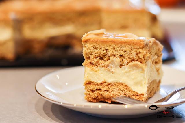 ciasta i desery, miodownik, kruche miodowe, kruche ciasto, masa budyniowa, ciasto z masą budyniową, kruche z masą budyniową, krem kajmakowy, ciasto z kajmakiem, ciasto z kremem kajmakowym