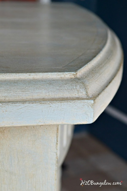 Antique-wax-detail-on-desk-makeover-with-Amy-Howard-paint-H2OBungalow