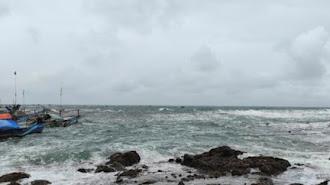 Perhatian dan Waspada! BPBD Larang Wisatawan Berenang di Pantai Selatan