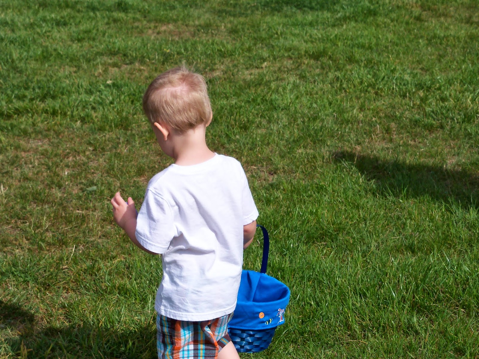 Easter Egg Hunt - 116_1434.JPG