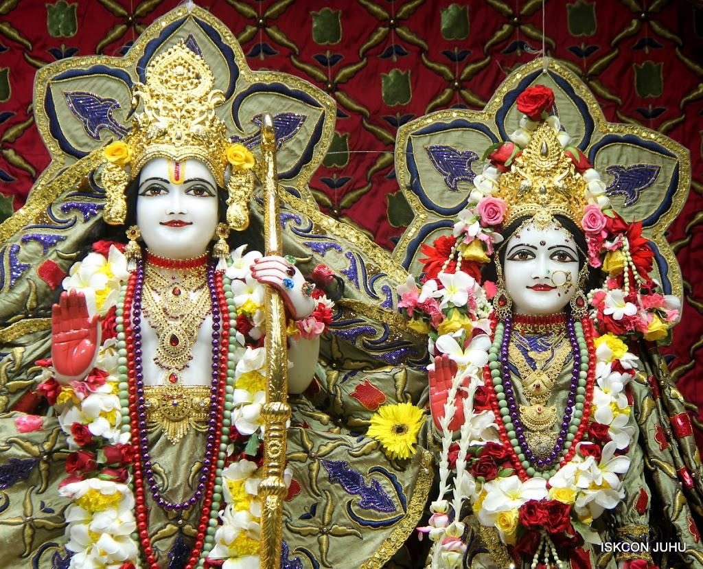ISKCON Juhu Sringar Deity Darshan on 24th June 2016 (29)