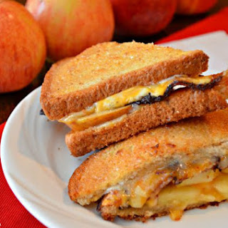 Bacon & Apple Grilled Cheese