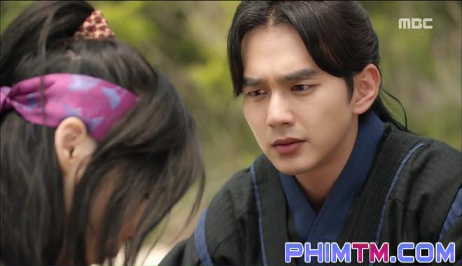 Đố kị với Kim So Hyun, nữ phụ Quân Chủ tự tay xẻo thịt mình - Ảnh 3.
