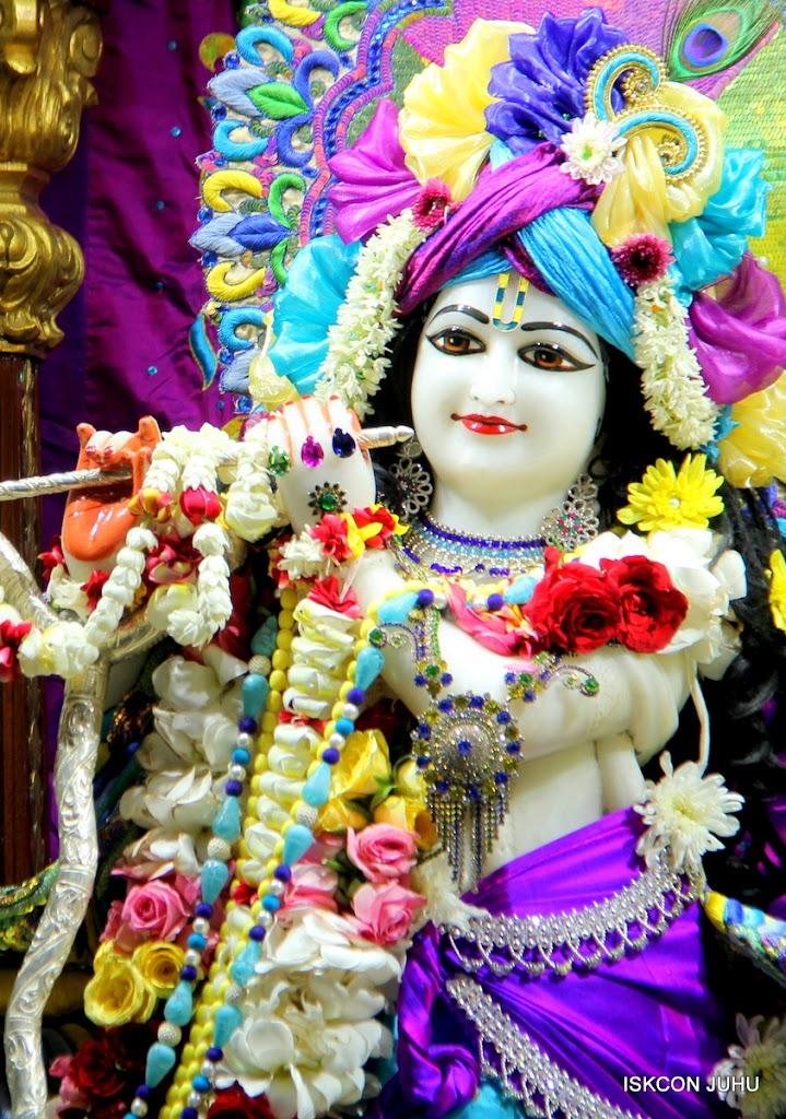 ISKCON Juhu Sringar Deity Darshan on 28th April 2016 (19)