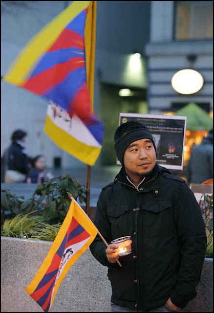 Self-Immolations in Tibet: Candle Vigil in Downtown Seattle - IMG_0461%2B1-28-12%2B72Aa%2BCandle%2BVigil.jpg