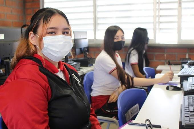 115 instituciones educativas oficiales de Medellín completarán su transformación curricular al finalizar el año