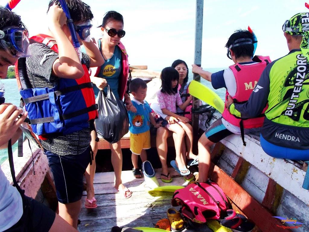 family trip pulau pari 140716 Fuji 061
