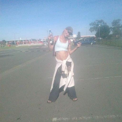user Helen Martin apkdeer profile image