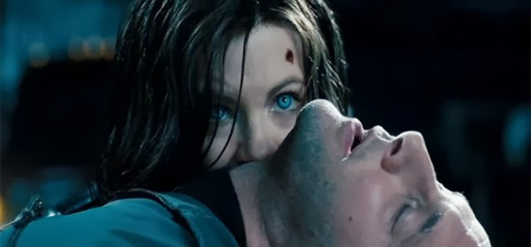 Screen Shot Of Hollywood Movie Underworld 4 Awakening (2012) In Hindi English Full Movie Free Download And Watch Online at alldownloads4u.com