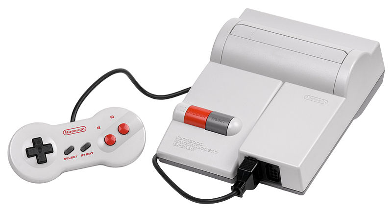O NES remodelado em sua versão final, modelo 101 (ou NES2)