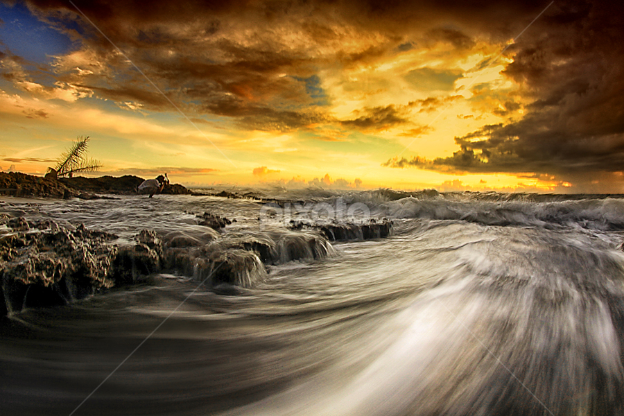 Wave Hunter by Gusdiendi MoNk - Landscapes Waterscapes