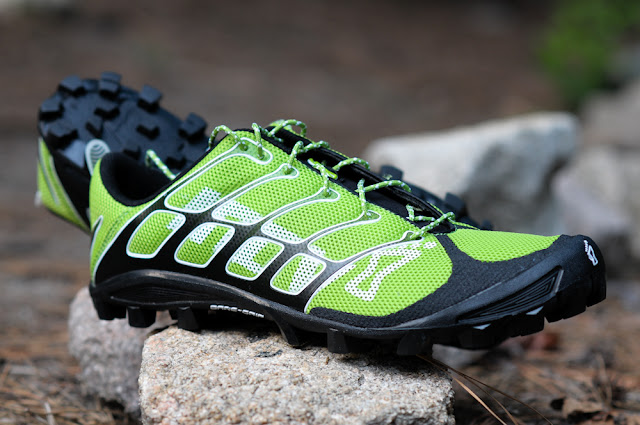 Inov-8 Bare-Grip 200 lateral right view