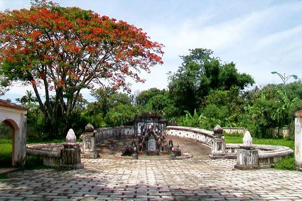 Khu lăng mộ và đền thờ ông Phạm Đăng Hưng 3