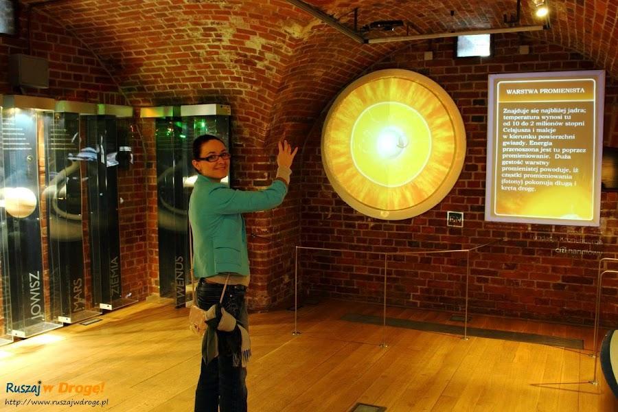 warstwy Słońca w Centrum Hewelianum - sterowane gestami