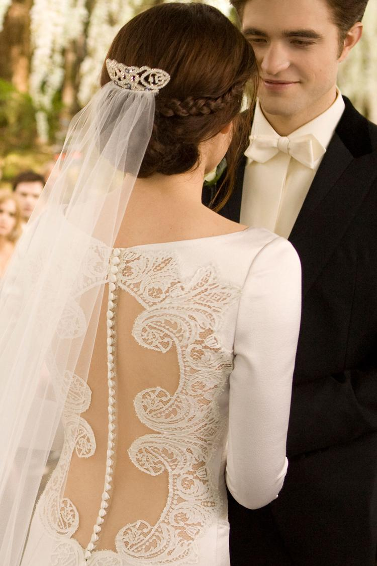 Photos of the wedding dress by