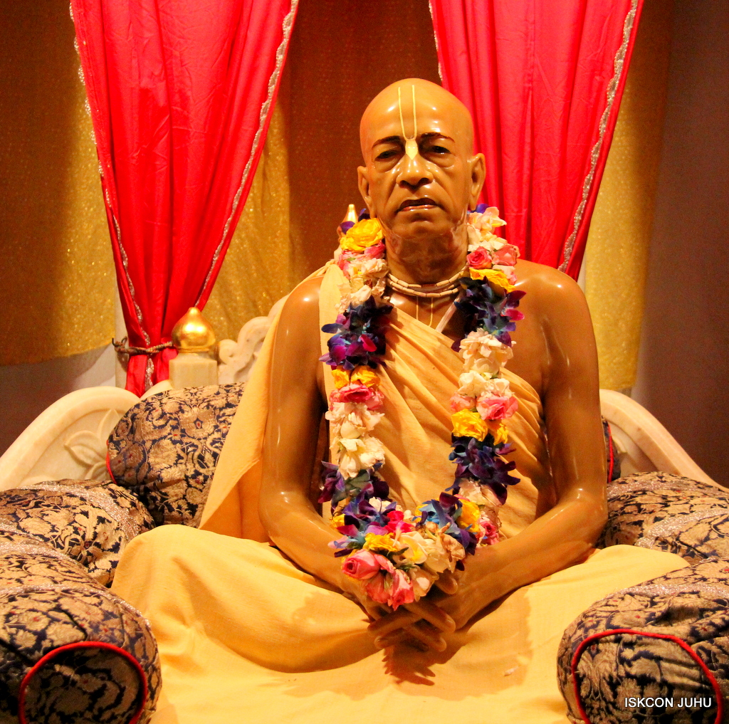 ISKCON Juhu Mangal Deity Darshan on 25th Oct 2016 (1)
