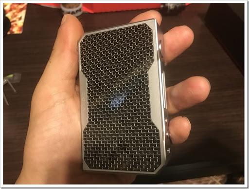 IMG 3505 thumb - 【とにかくイケメン】VOOPOO DRAG MODが届いたぞー!ちょっと有名MODメーカーっぽいデザインだけど、それもまたかっこいい!お手頃価格でデュアルバッテリーなのも魅力【非常に惜しいところも/MOD/VAPE/爆煙】