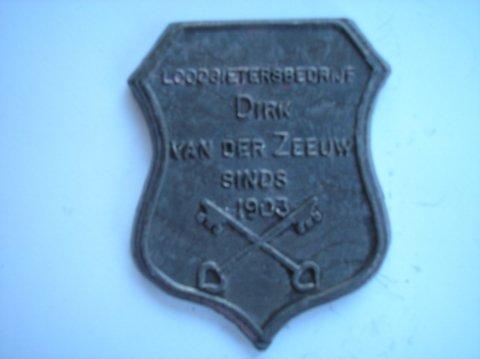 Naam:  Dirk v/d ZeeuwPlaats: LeidenJaartal: sinds 1903