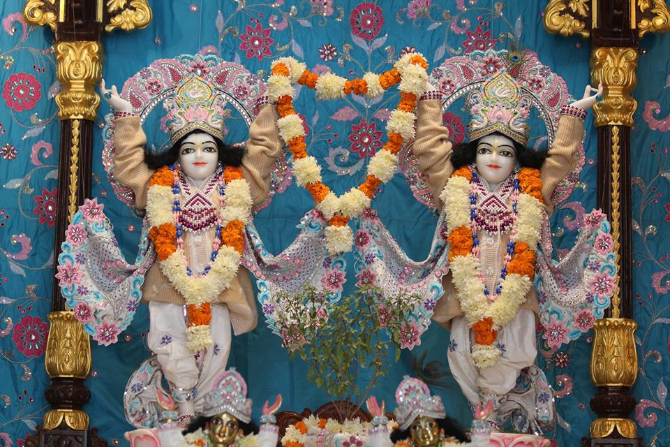 ISKCON Kanpur Deity Darshan 17 Dec 2015 (23)