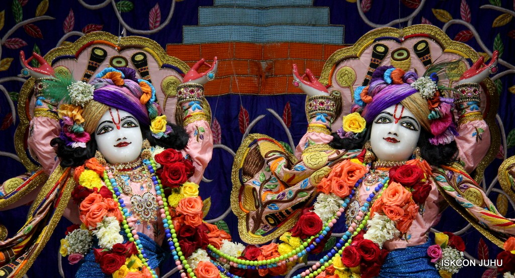 ISKCON Juhu Sringar Deity Darshan 10 Jan 2017 (69)