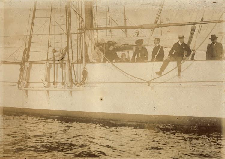 Ca. 1905. El explorador del Sahara. Archivo Fedac.jpg