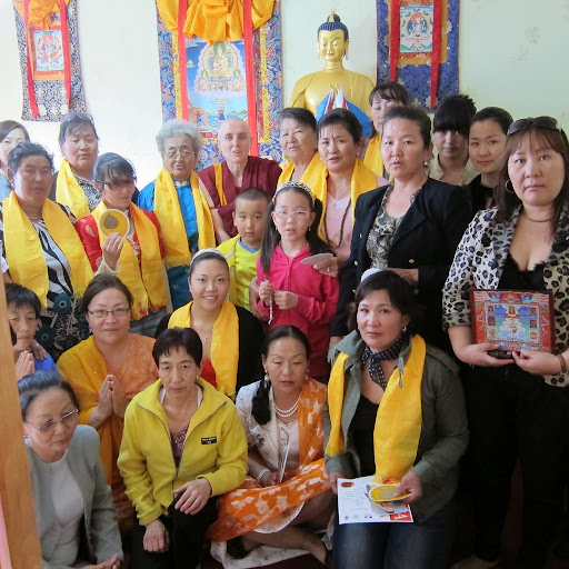 Ven. Sarah Thresher with students in Erdenet, Mongolia, June 2012. Photo courtesy of Ven. Sarah Thresher.