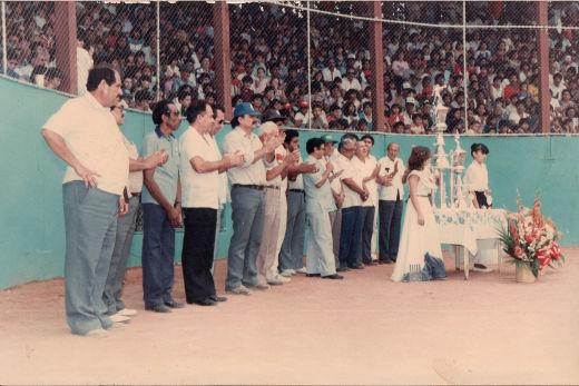 Premiación del campeonato nacional de ligas pequeñas división menor de 1986