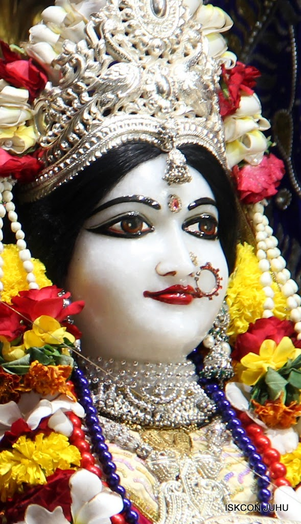 ISKCON Juhu Sringar Deity Darshan on 27th April 2016 (17)