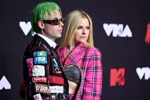 Avril Lavigne revela vía ABC que está lista para rockear de nuevo con su nuevo álbum
