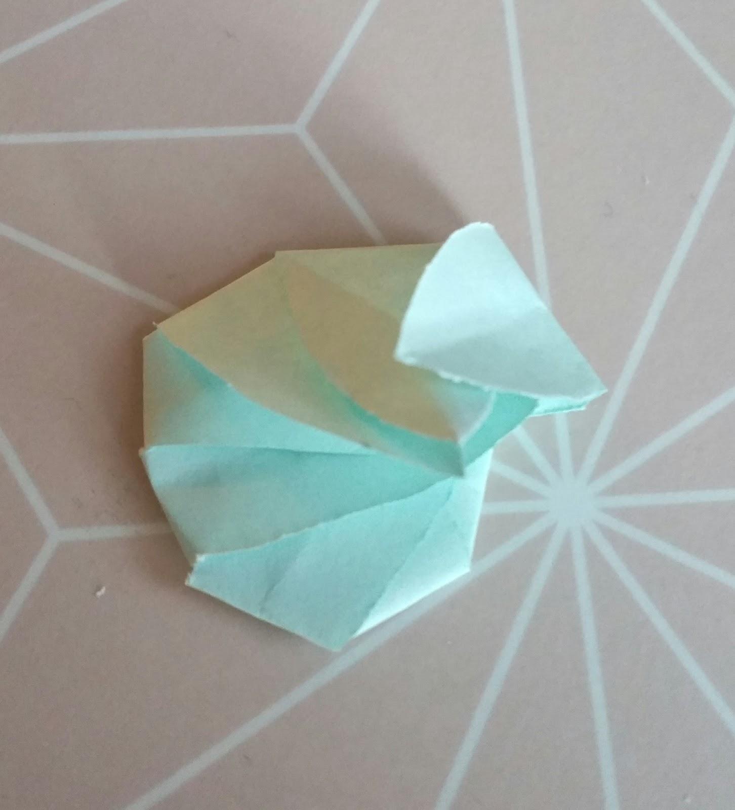 Petites Marionnettes Des Fleurs Magiques En Papier