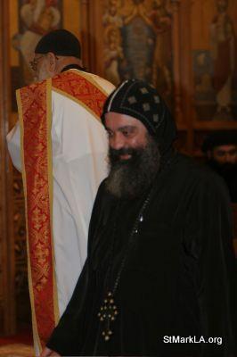 Pope Shenouda visit to St Mark - 2005 - pope_shenouda_at_st_mark_32_20090524_1088062336.jpg
