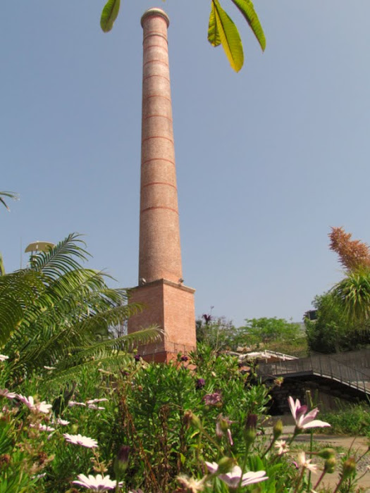 the chimney and the plants in Santa Luzia gardens