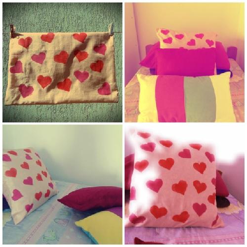 customização - almofada com corações