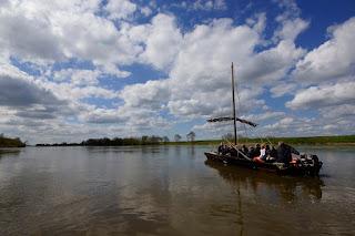 26.coeur-val-de-loire-tourisme-vacances-famille-amis-balade-bateau-traditionnel-miliere-raboton©c.marino-ADT41