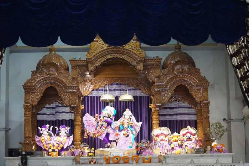 ISKCON Noida Deity Darshan 19 Dec 2015 (10)